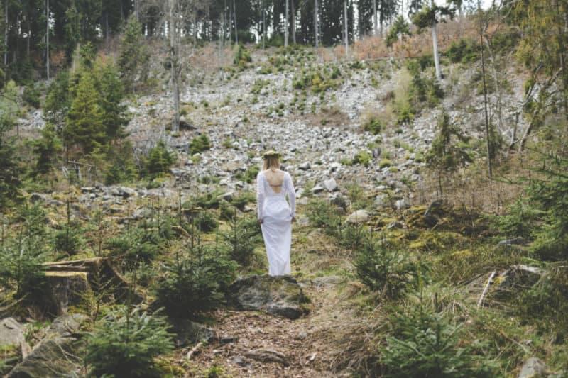EDITORIAL: Udržitelné svatební šaty