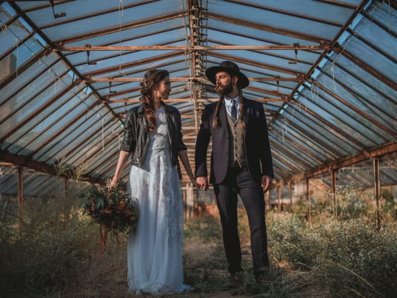 Inspirace: Originální boho svatba ve skleníku